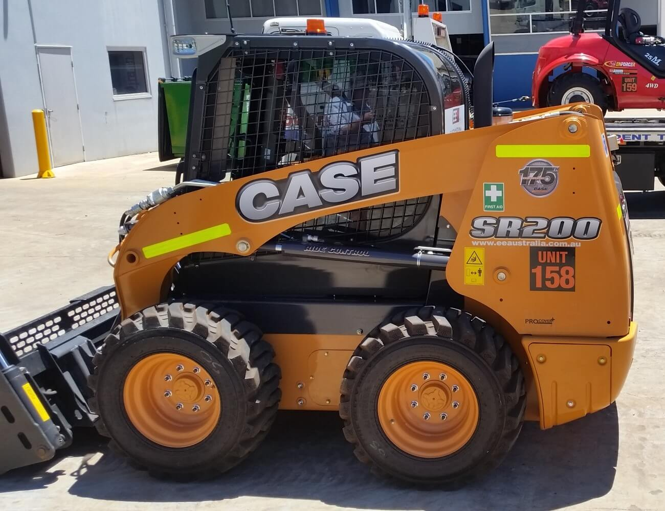 skid steer loader sr200