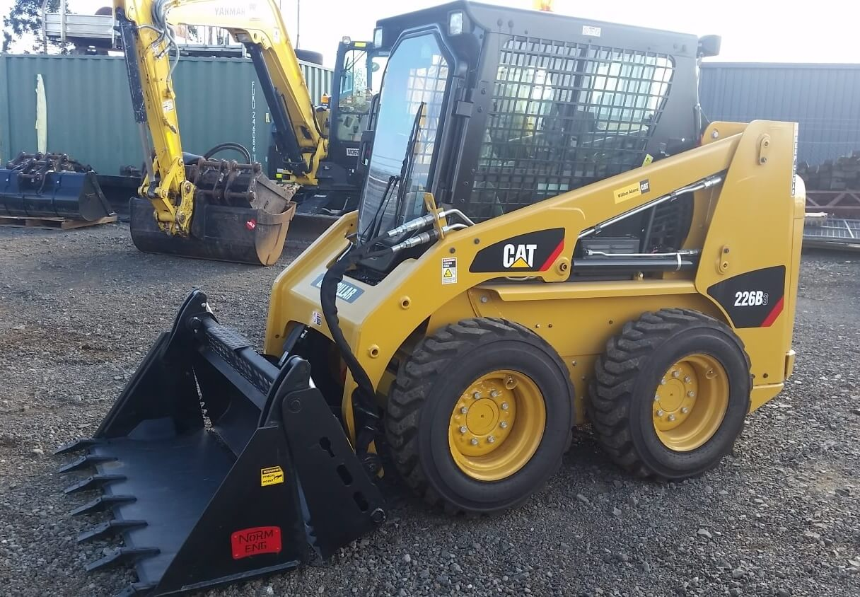 skid steer loader 226b